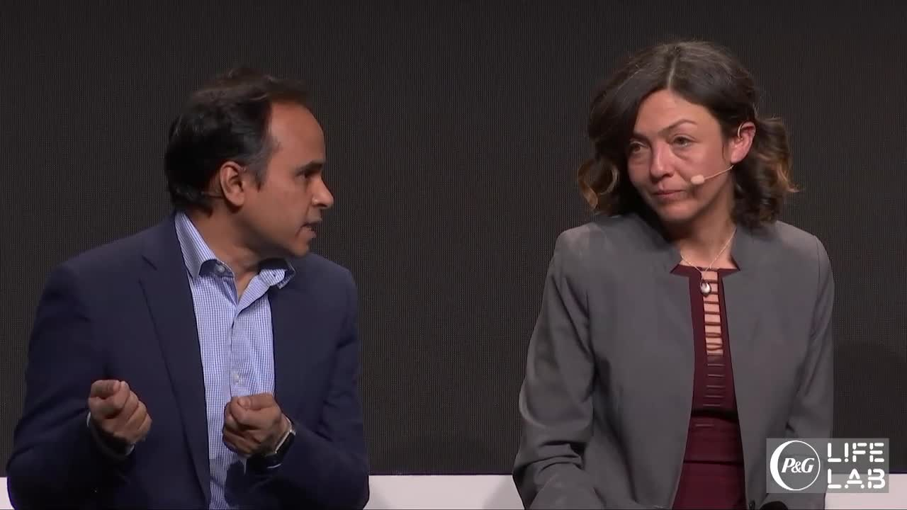 1/8 Delighting Consumers Through AI